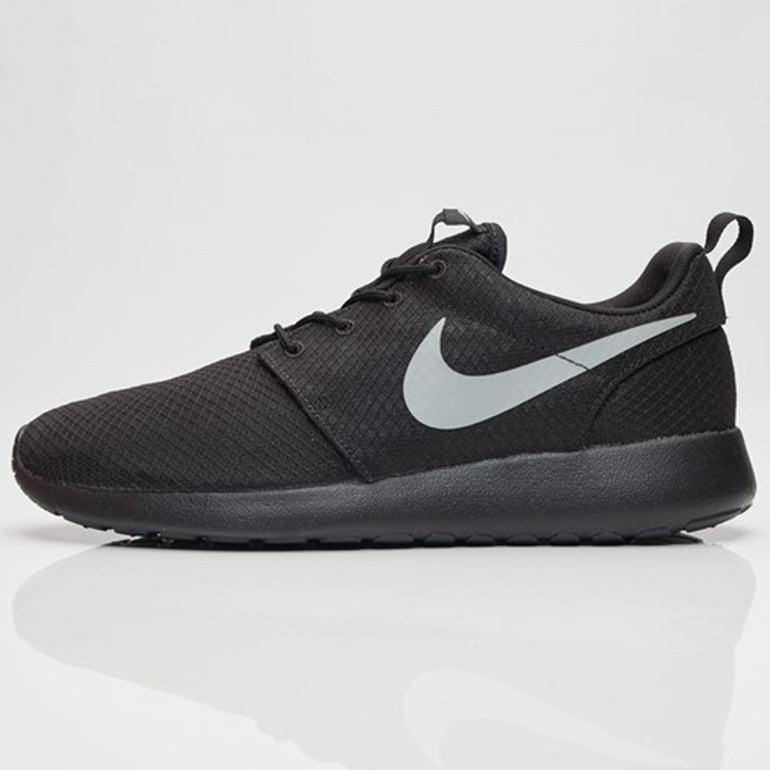 082cb07b795c6 Nike Roshe One Sports Shoes (Black) - Men s Footwear